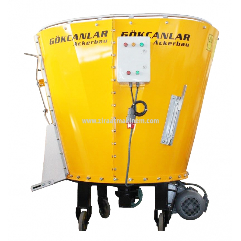 Gökcanlar - 2 m³ Feed mixer with electric and shaft -